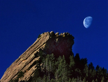Moonset On The Third Flatiron 2