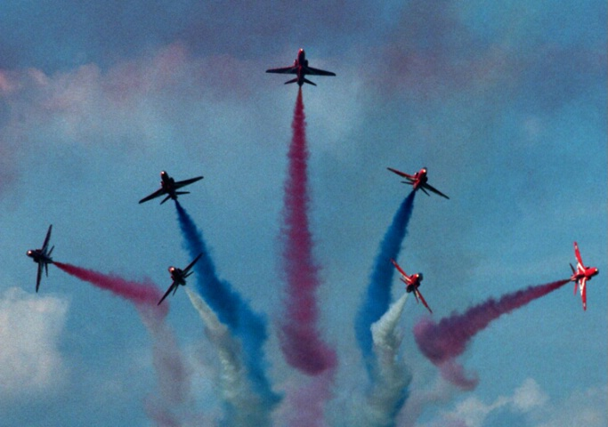 Red Arrows showing off