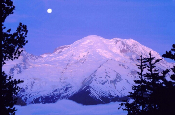 Mt. Rainier Sunrise/Moonset