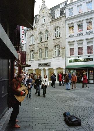 street singer, Bonn