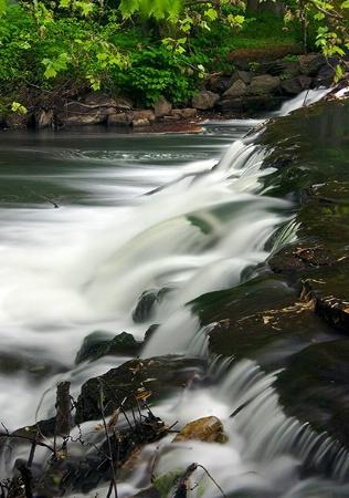 Crestwood Falls