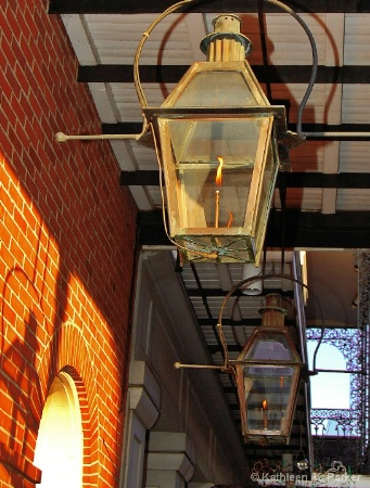 Lamps on Toulouse St.