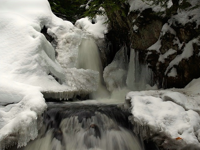 New Snow at Bear's Den Falls