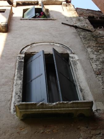 venice 2006 window 4
