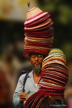 Cap seller