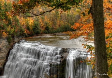 Another Autumn at the Middle Falls