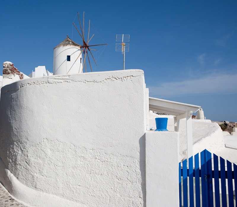 Oia's White and Blue