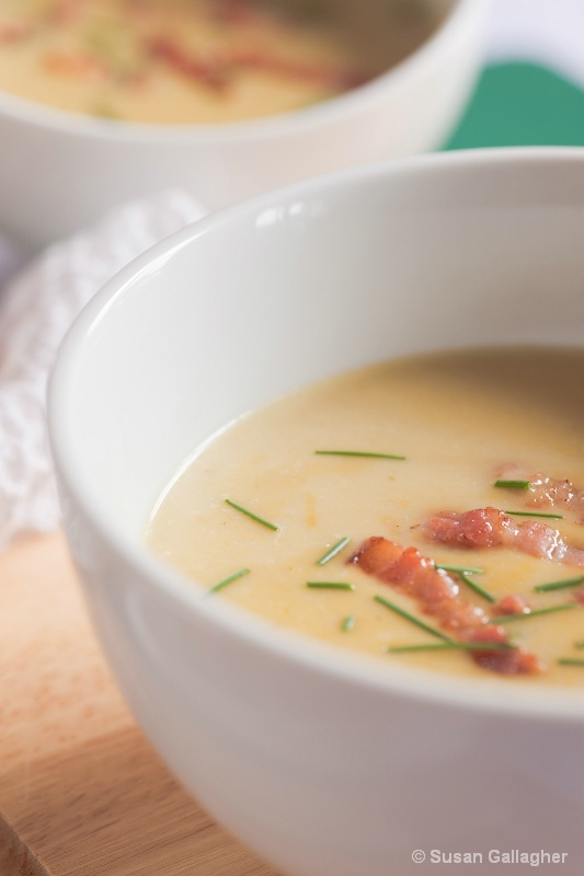 Asparagus soup with bacon and chives