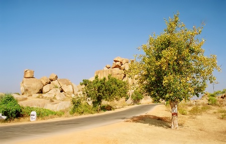 Road to Hampi