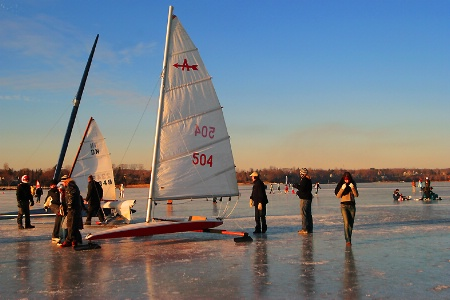 Ice boaters at the end of day