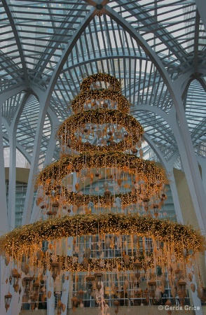 Elegant Golden Tree in Brookfield Place