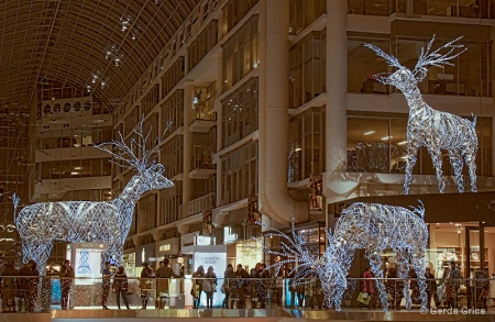 Blue Reindeer at the Eaton Centre