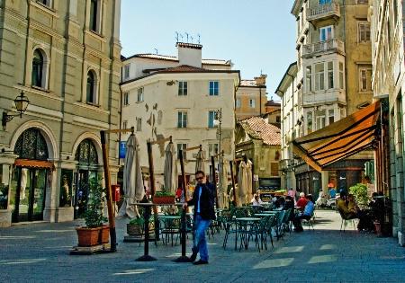 Phone Call in Trieste