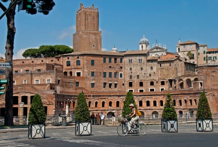 Bicycling through Rome