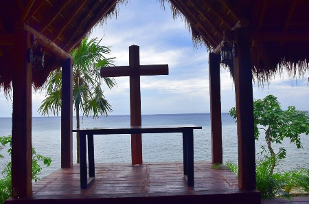 A CHAPEL IN FRONT OF THE BEACH