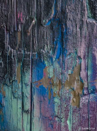 Colours and Textures on Painted Pole