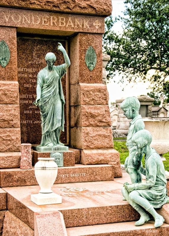 Vonderbank Crypt,  Metairie Cemetery