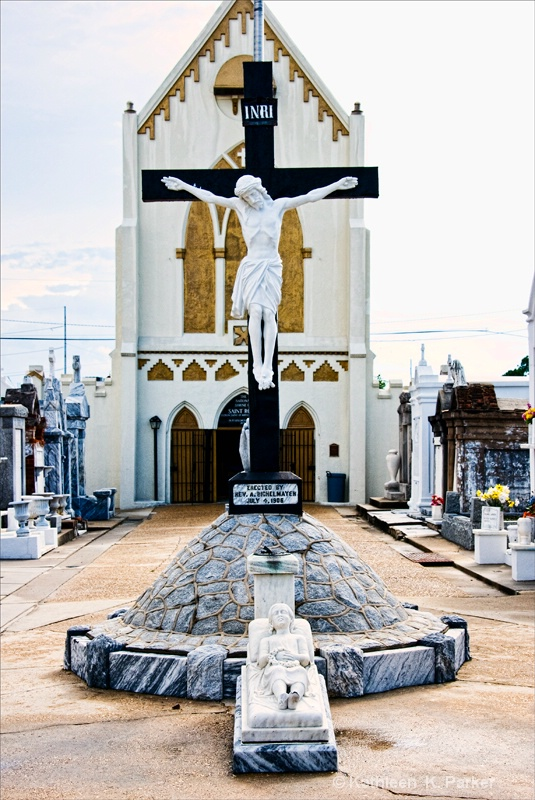 Crucifix of Jesus and Chapel of St. Roch