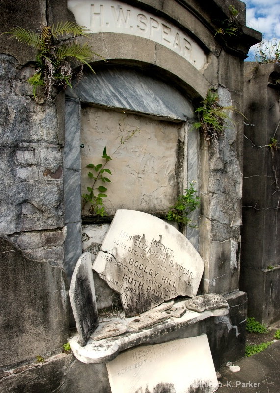 Tomb: Odd Fellows Rest, New Orleans