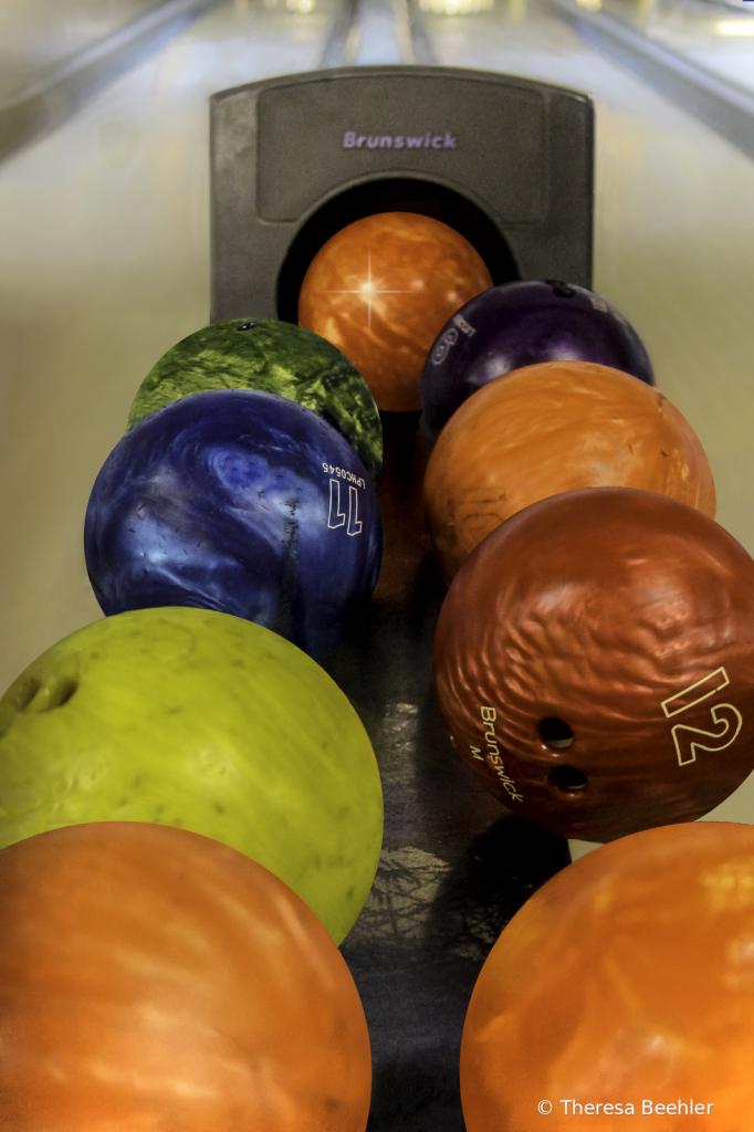 Fun Stuff - Bowling Ball Return