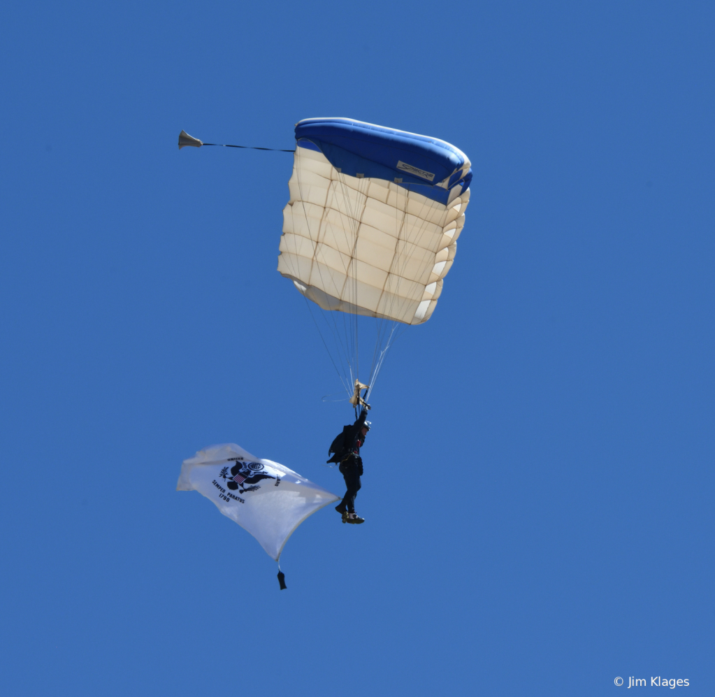 USAFA Wings of Blue Parachute Team