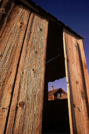 Bodie Frame - Wide-Angle