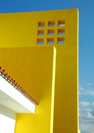 GEOMETRY IN YELLOW