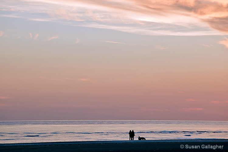 Evening at the Beach - ID: 10443953 © Susan Gallagher