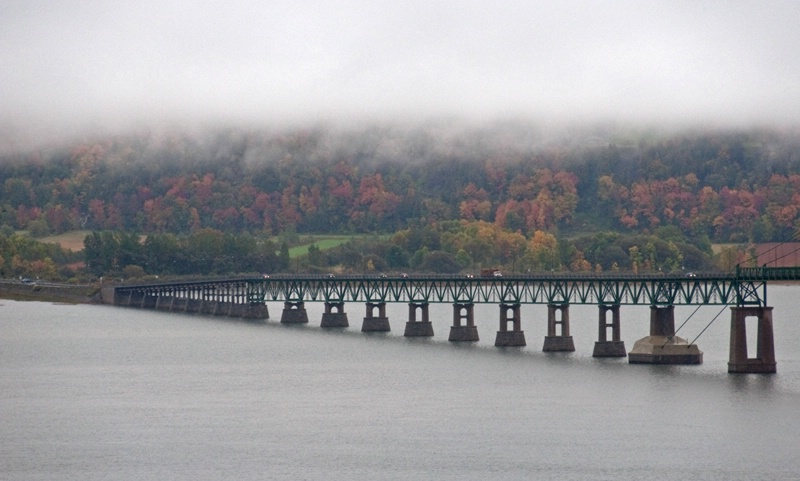 Bridge and Autumn Colours in Fog and Rain - ID: 10963851 © Gerda Grice