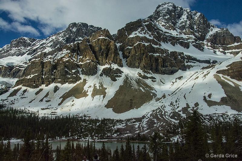 Rockies Rising Above a Lake - ID: 13952938 © Gerda Grice
