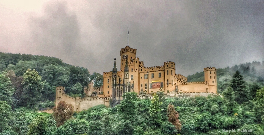 Rhine castle - ID: 15485388 © Mary B. McGrath
