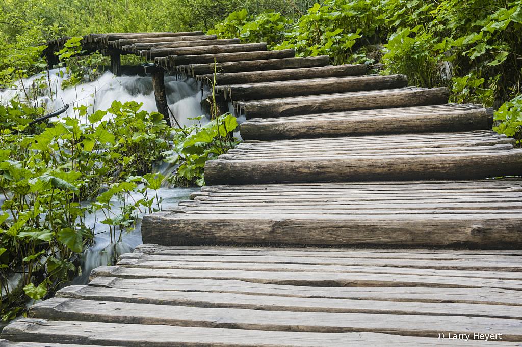 Plitvice, Croatia National Park # 12 - ID: 15729562 © Larry Heyert