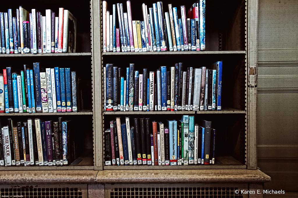antiques book show - ID: 15828722 © Karen E. Michaels