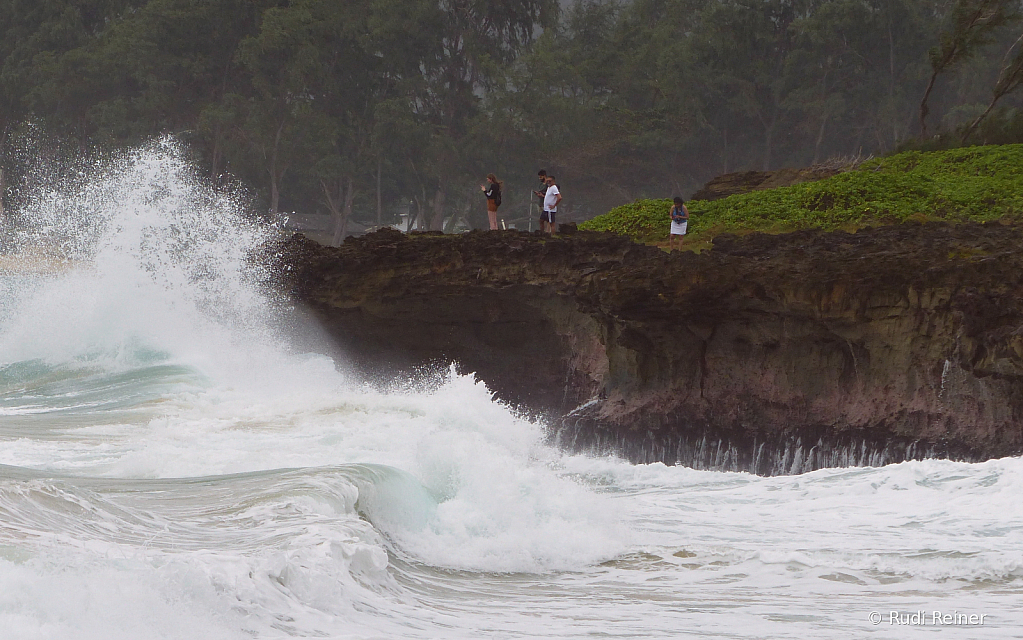 Sea meets shore, Oahu