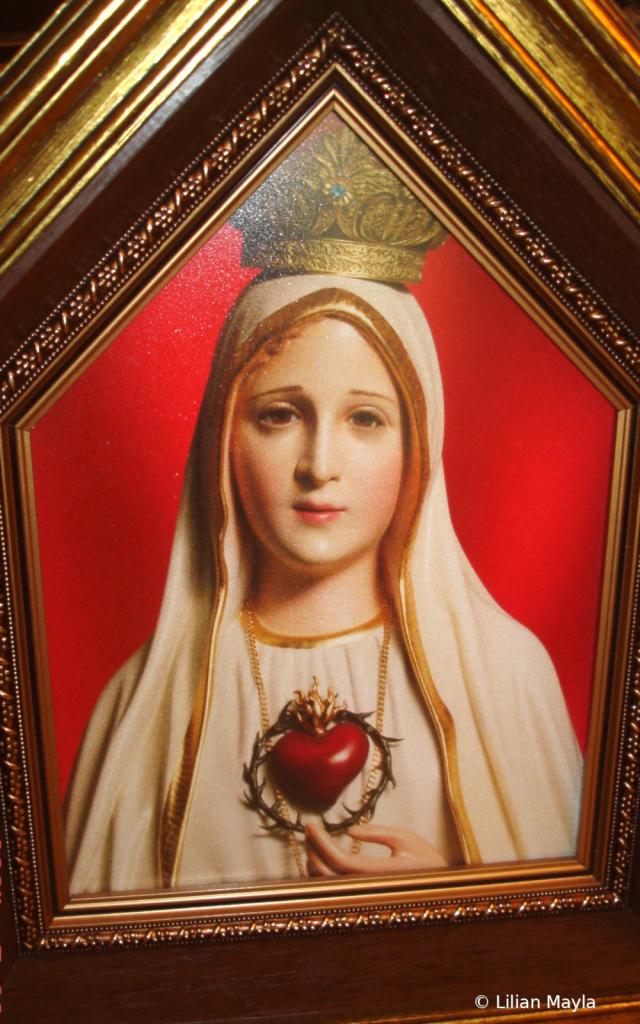 Our Lady of Fatima - ID: 15831473 © Nada Mayla