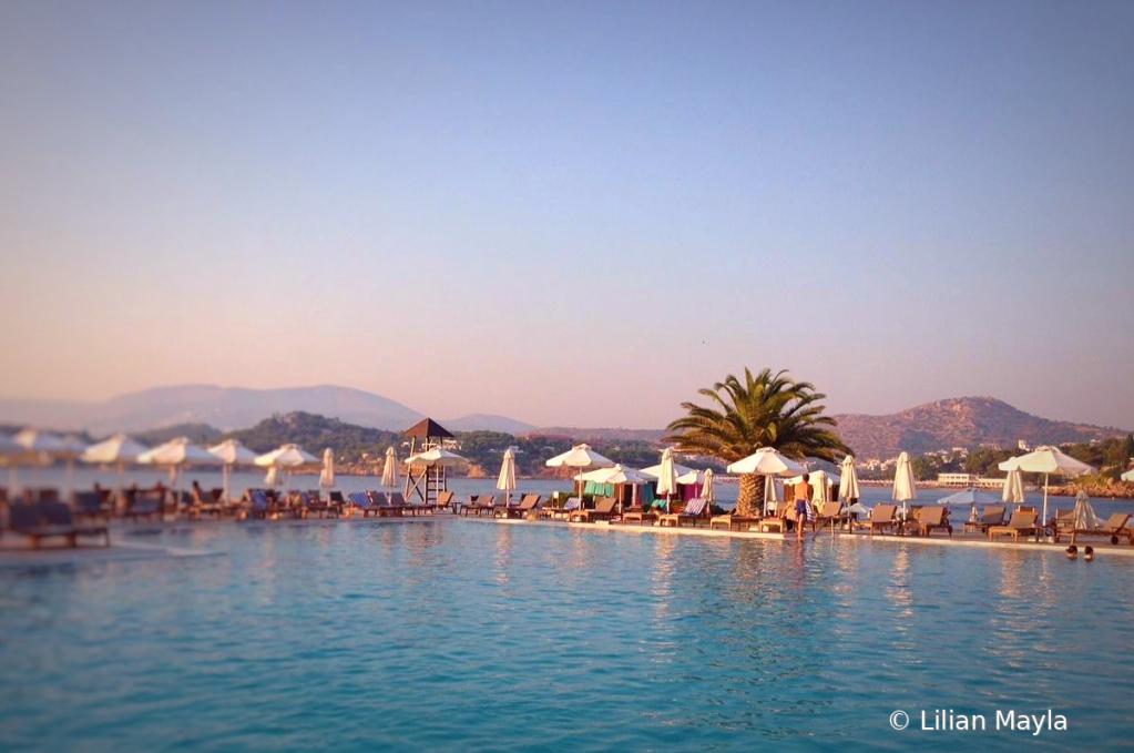 Hotel Pool  - ID: 15833109 © Nada Mayla