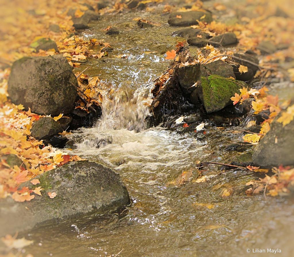Cascade in Bromont - ID: 15834443 © Nada Mayla