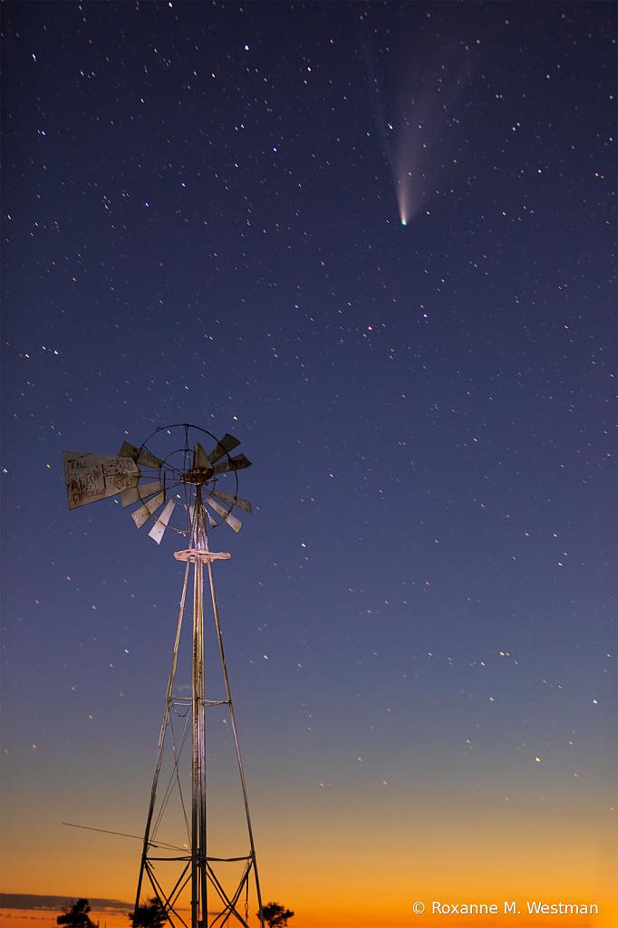 Comet Neowise and North Dakota windmill  - ID: 15834600 © Roxanne M. Westman