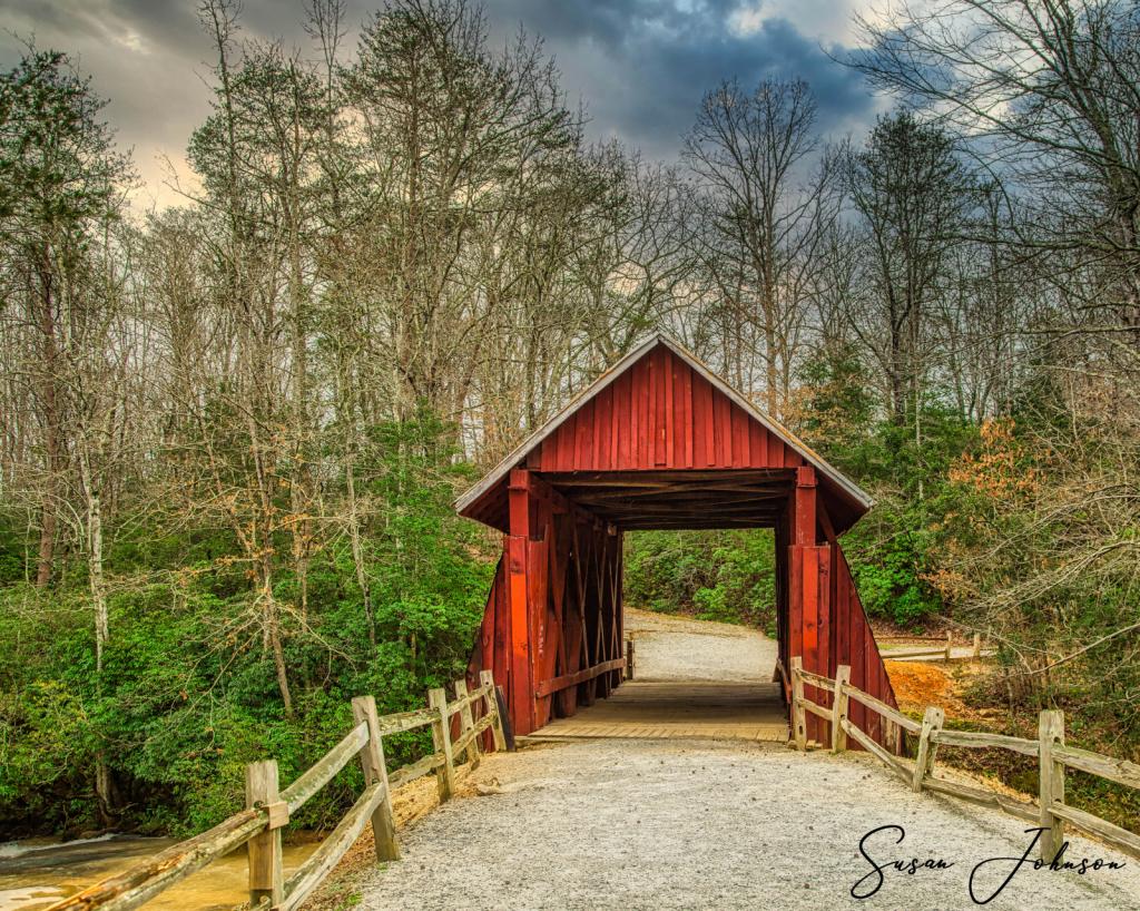 Carolina backroads - ID: 15835628 © Susan Johnson