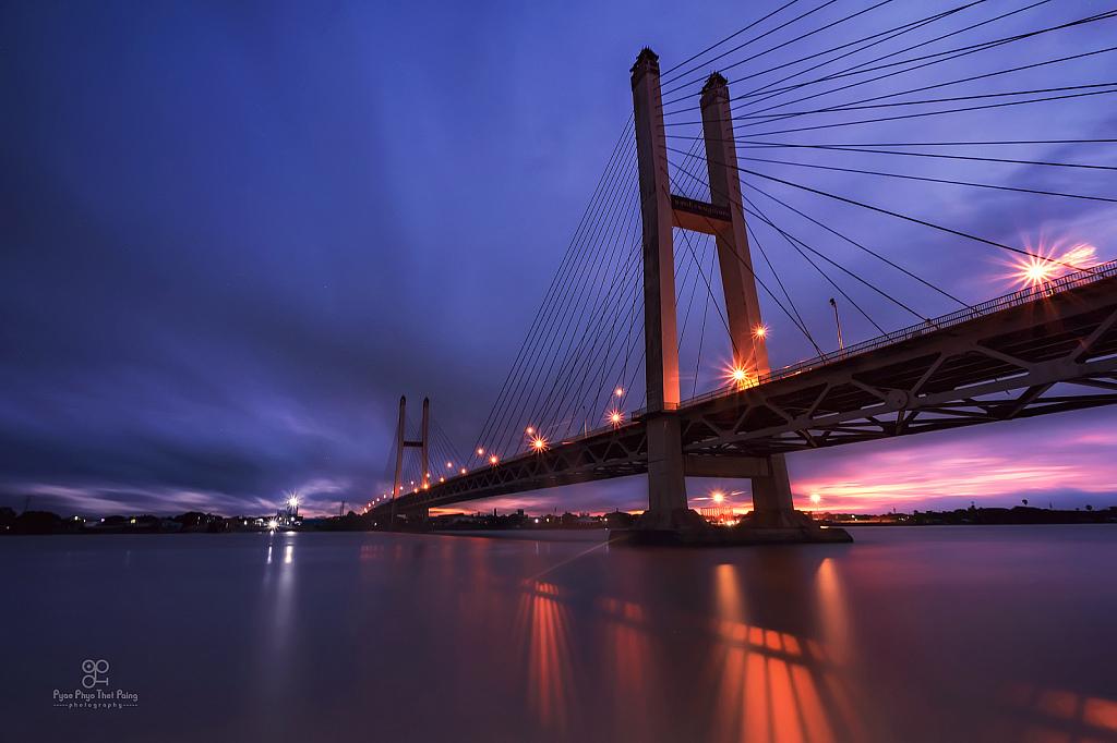 The Evening under the bridge