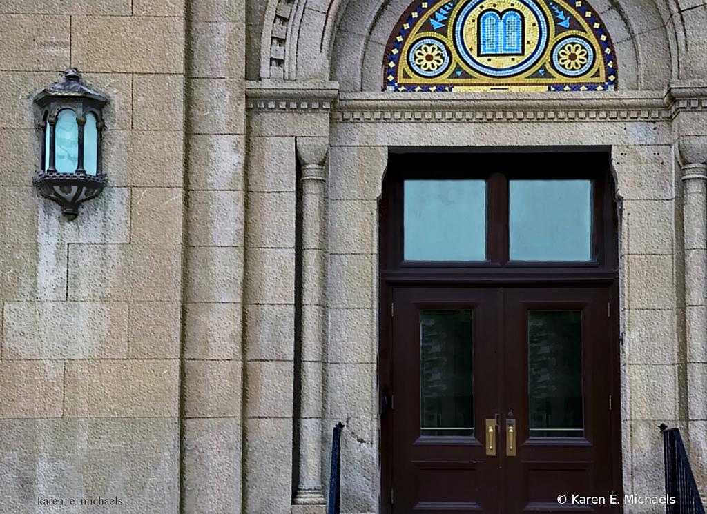 side entrance - ID: 15847814 © Karen E. Michaels