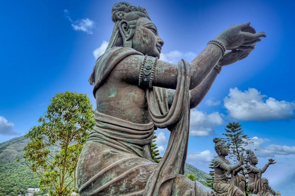 A Prayer to Buddha - ID: 15880073 © Paul Coco