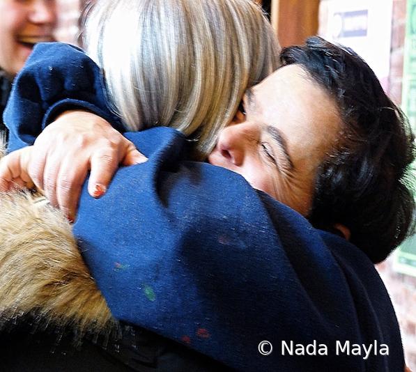 Nada hug - ID: 15880968 © Nada Mayla