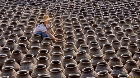 preparing to arrange pots
