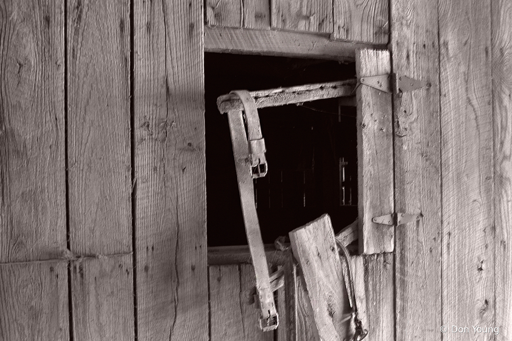 The Old Barn - ID: 15921529 © Don Young