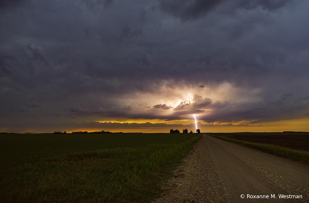 North Dakota stormy landscape - ID: 15931891 © Roxanne M. Westman