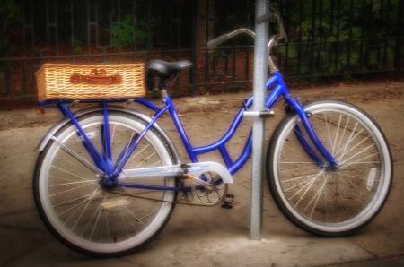 Bike on Hanover Street
