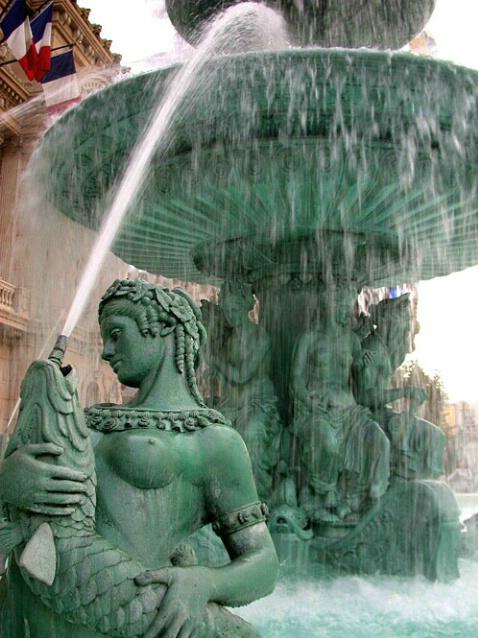 Paris Fountain 2