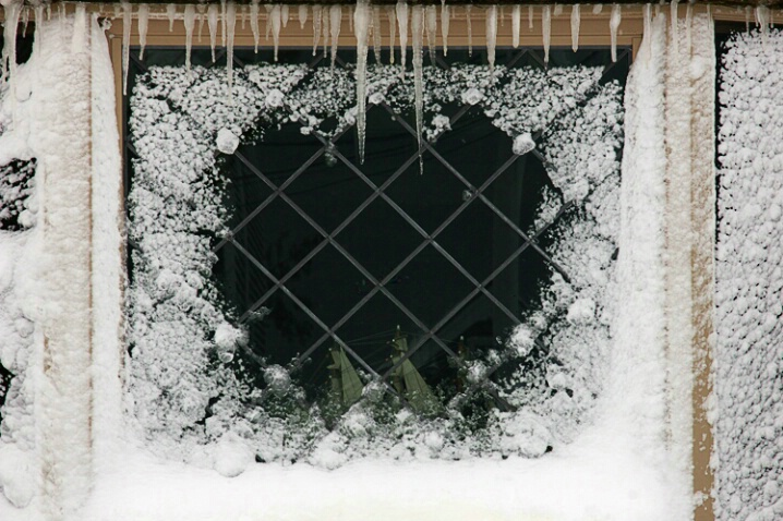 Snowy picture Window