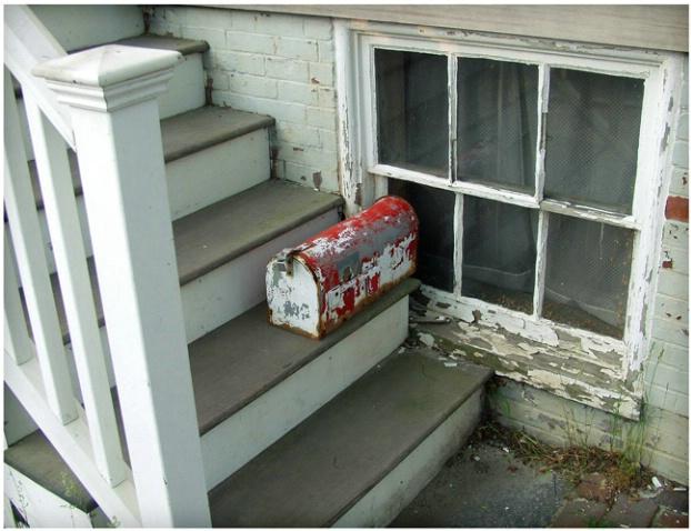 Mailbox on Steps #137